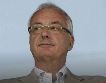 Voormalig Ajax-voorzitter Uri Coronel (69) overleden