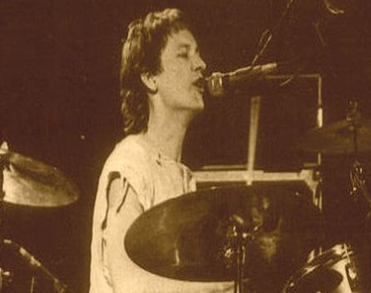 Ab Tamboer (65) oud-drummer Earth and Fire en Het Goede Doel overleden