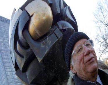 Duitse beeldhouwer Koenig (92) maker monument Mauthausen overleden