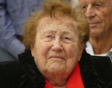 Apeldoornse stadhuis-voorvechter Ans Plessius (91) overleden