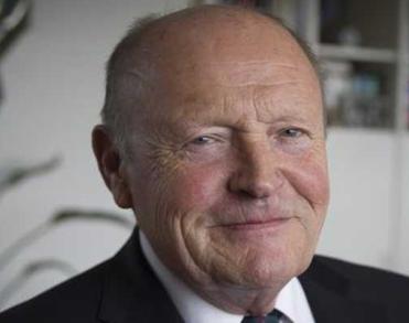 Oud-hoofdofficier Hans Vrakking (76) overleden