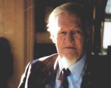 Sjef de Jong van Dickens Museum overleden