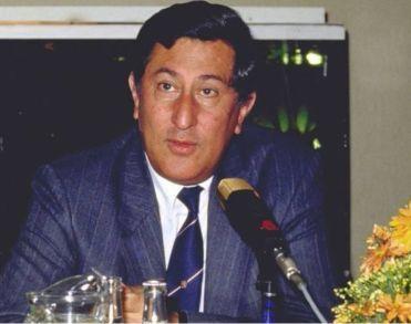 Oud-staatssecretaris Wallis de Vries (81) overleden