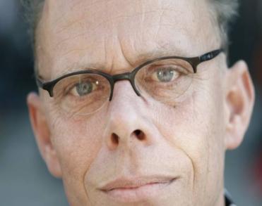 Amsterdamse uitvaartdichter F. Starik (59) overleden