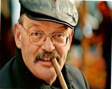 Marktkoopman Toon Pijnappels (67) overleden