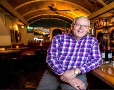 Markante Zwolse horecaman Rob Leene (76) overleden