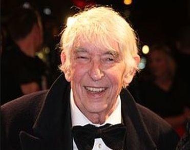 Kunstenaar Aat Veldhoen (84) overleden