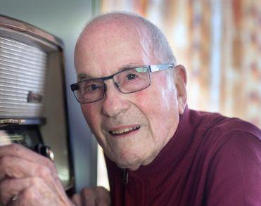Oudste radio-dj van Nederland, Bob van Huët overleden