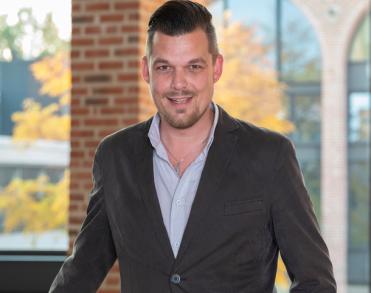 Wethouder Dennis op den Dries (35) van de gemeente Hellendoorn overleden