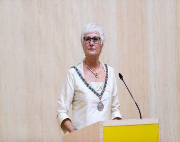 Oud-burgemeester van Eibergen Aaltje Emmens - Knol (73) overleden