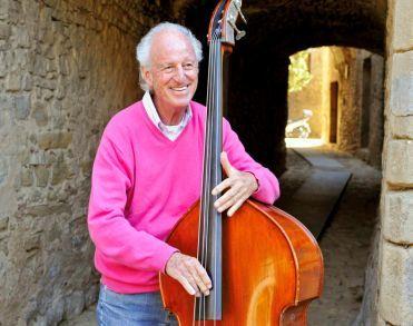 Jazzbassist Ruud Jacobs (81) overleden